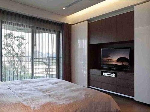 107平米现代四室卧室电视墙效果图