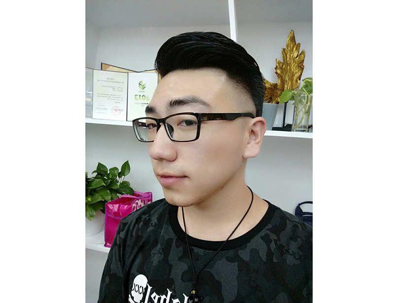 成都亿城装饰有限公司徐坤帝