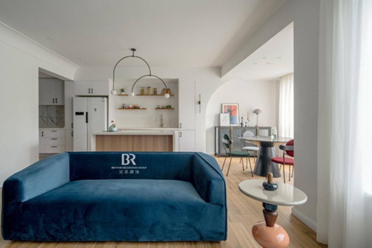 重庆兄弟装修公司项目案例140㎡顶跃极简设计,诠释不一样的家